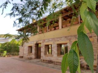 El albergue rural El Barranco, especializado en vacaciones para grupos.
