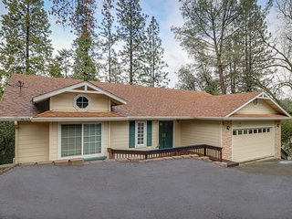 Serene, central woodland home w/ deck, Ping-Pong & shared pool/tennis!