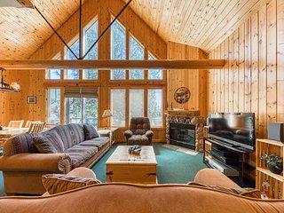 Log decor home w/ private hot tub, deck & shared pools/tennis!