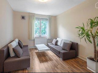 Neu Elegantes City Wohnung mit guter Verbindung, P+R, Free WiFi