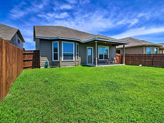 NEW! San Antonio Home w/Yard, 6 Mi. From Lackland!