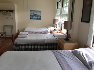 Hilo Bed & Breakfast -Room #5