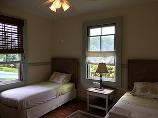Hilo Bed & Breakfast -Room #1