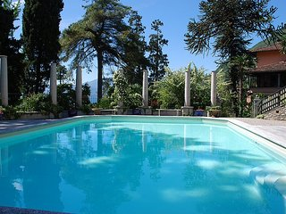 San Siro Villa Sleeps 20 with Pool and Air Con - 5229089