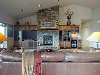 NEW LISTING! Updated home w/ a private hot tub, stunning deck views, & fire pit