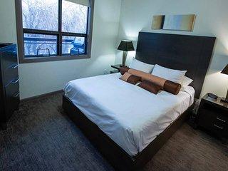 Pool Level 2 bed, 1 bath - Unit 371