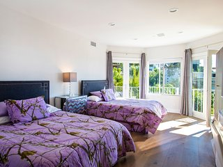 Hollywood Hills 2 Rm Suite w/Private Bath & Kitchenette City Views by Sunset Bl