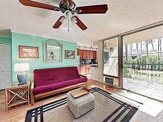 Sunny 1BR w/ Pool & Private Balcony - Walk 5 Minutes to Beach & Dining