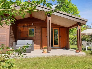 Cosy Cabin - on the shores of Lake Annecy France