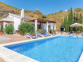 Idyllic Private Villa with Stunning Panoramic views & Heated Pool