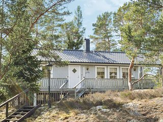 Awesome home in Djurhamn w/ 3 Bedrooms