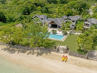 ULTIMATE LUXURY, BEACHFRONT, FULLY STAFFED, TENNIS COURT, GYM, LOTS OF ACTIVITES