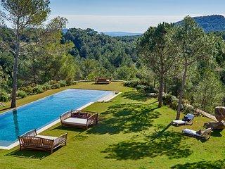 Es Cubells Villa Sleeps 10 with Pool and Air Con - 5807229