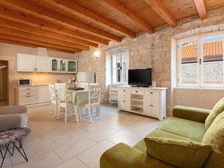 Apartment Mama 1, Omis