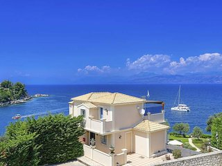 Kassiopi Villa Sleeps 11 with Pool Air Con and WiFi - 5334409