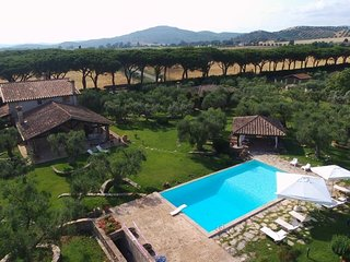 Centro A Villa Sleeps 8 with Pool - 5764155