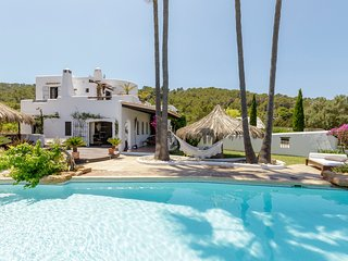 6 bedroom Villa with Pool and WiFi - 5807226