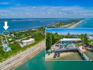 Aquatopia North -- Waterfront Paradise, w/heated pool, dock + beach (6+BR/4BA)
