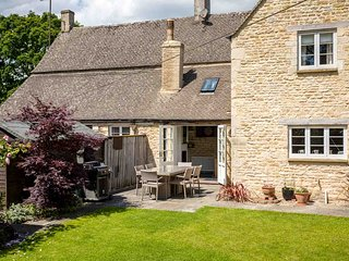 Winterberry Cottage is a Cotswold stone property, full of character and style