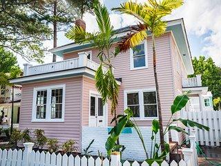 3-bedroom 1.5 bath Sleeps 14 Home in the Heart of Virginia Beach Oceanfront!