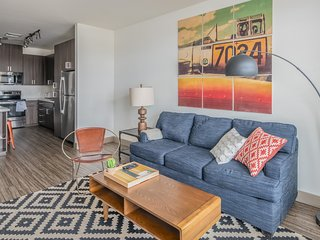 Sleek 1BR on Tempe Town Lake #4018 by WanderJaunt