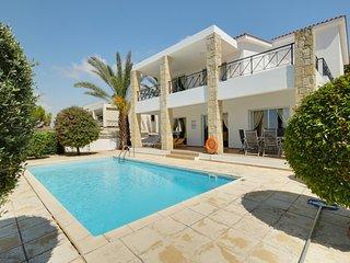 Villa in Stroumbi Cyprus