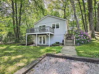 Ludington Cottage w/ Deck, Yard & Fire Pit!