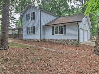 NEW! Central Duluth Home w/ Yard 25 Mi. to Atlanta
