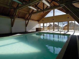 Super endroit ! Apparement au calme à 250m des pistes, accès piscine + sauna
