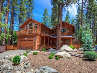 Beautiful Home w/ Private Hot Tub, Decks & Minutes to Heavenly Resort