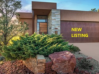 **NEW LISTING** STUNNING RED ROCK VIEWS - WEST SEDONA, MODERN STYLE & LUXURY SPA