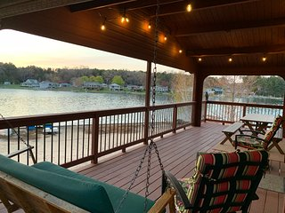 The Ultimate Lake house, Waterfront, Private Dock