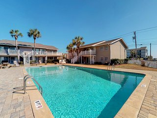 Ocean view condo w/ shared pool & large balcony - steps to the beach!