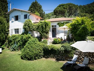 JdV Holidays Villa Lavande, charming old villa without pool in peaceful location