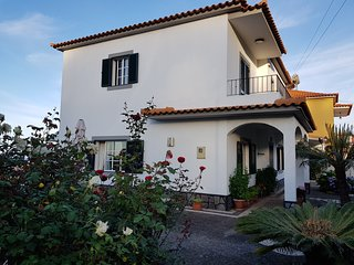 Casa da Orquidea - Casa Tradicional Madeirense com Jardim e Vista Mar