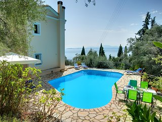 Katavolos Villa Sleeps 5 with Pool Air Con and WiFi - 5604799