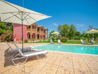 Elegant Maisonette RUBY, with shared POOL!