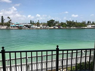 Land's End #204 building 4 - Bay View / Gated Community / Balcony!
