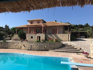 Villa in Lefkada (Lefkas) with fantastic pool, amazing sea view and 4 bedrooms