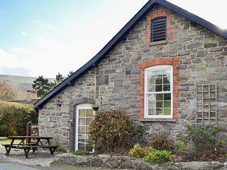 Rowan Cottage - UK10249