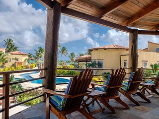 Huge BEACHFRONT Luxury Villa. Concierge, HUGE 150' Tropical Pool, Tennis!