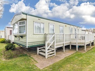 6 berth caravan at the seaside resort of Manor Park in Hunstanton ref 23004W