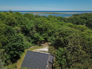 #527: Deeded beach access, walking distance to the water, private location!