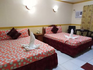 D Lucky Garden Inn Family Room 10
