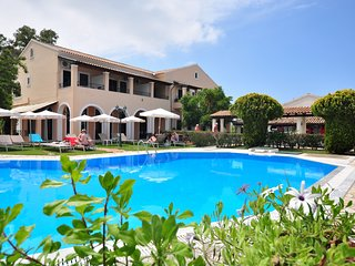 Smart Apartment and studios hotel close to the beach and the resort centre!