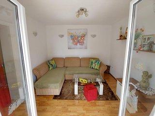 Two bedroom apartment Makarska (A-17424-a)