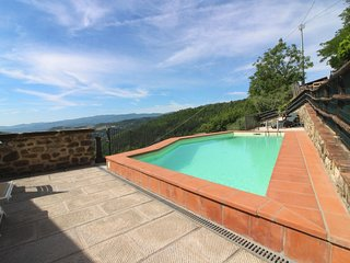 Papiano Villa Sleeps 7 with Pool - 5807326