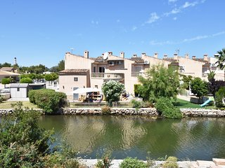 COZY 3-Bedroom Alcudia House with LAKE VIEWS & PRIVATE GARDEN