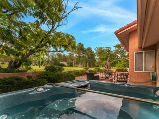 On The Golf Course! Private Hot Tub! Beautiful Home! Quail Crossing S112