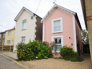 Pink Beach Cottage